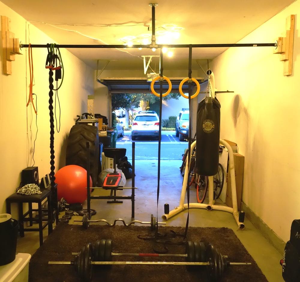 My makeshift garage gym