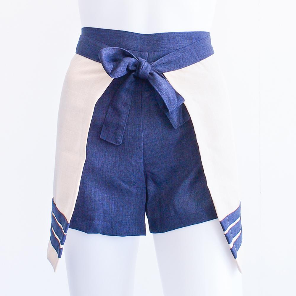 Cinta – Apron Shorts (Sand/Navy)