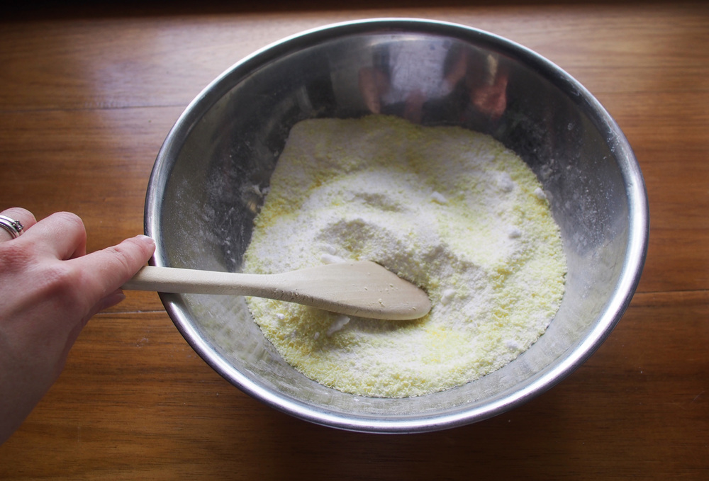 mixing ingredients for natural washing powder