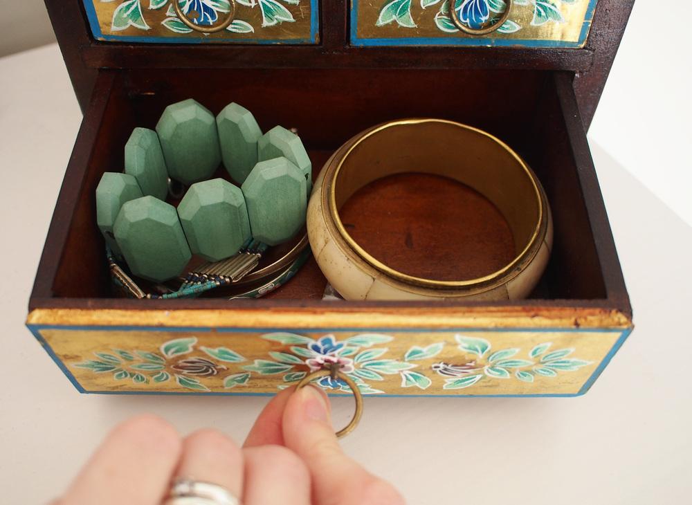 storing bracelets