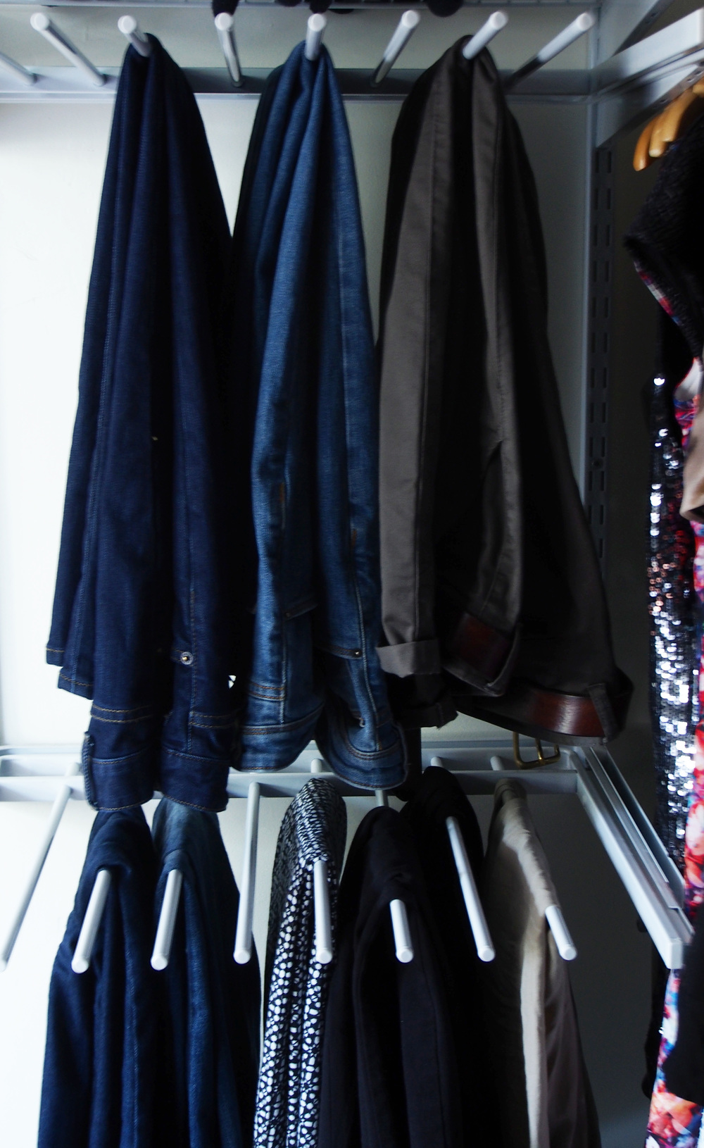 hanging pants rack