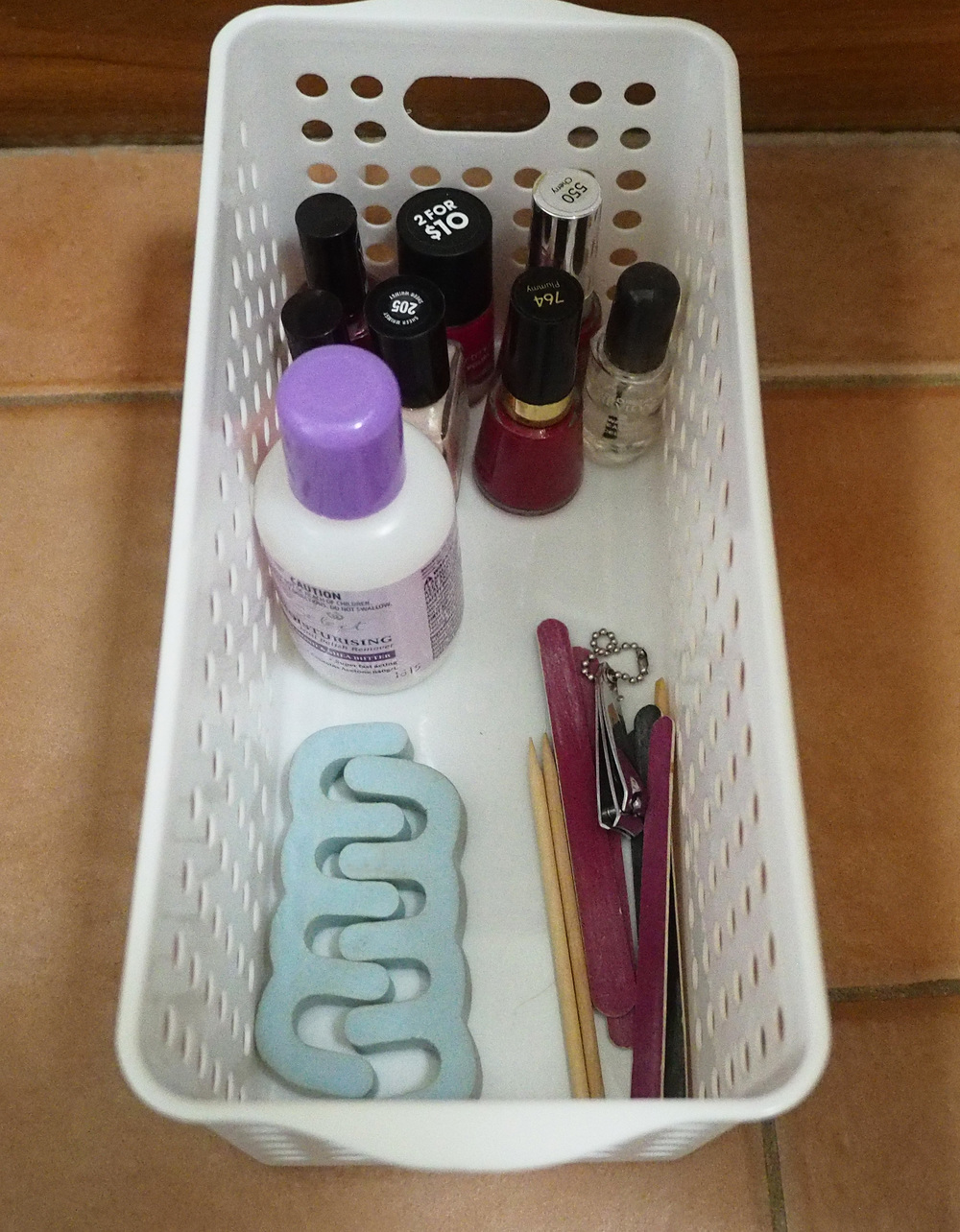 Nail polish organised