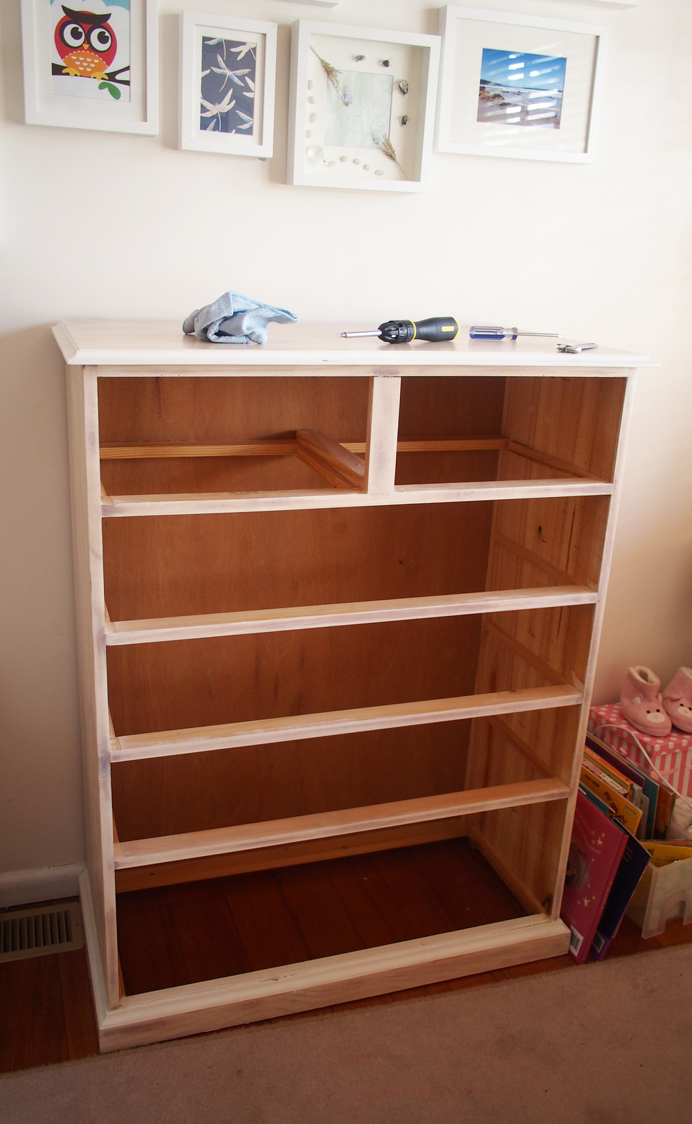 easy to move chest of drawers by removing drawers