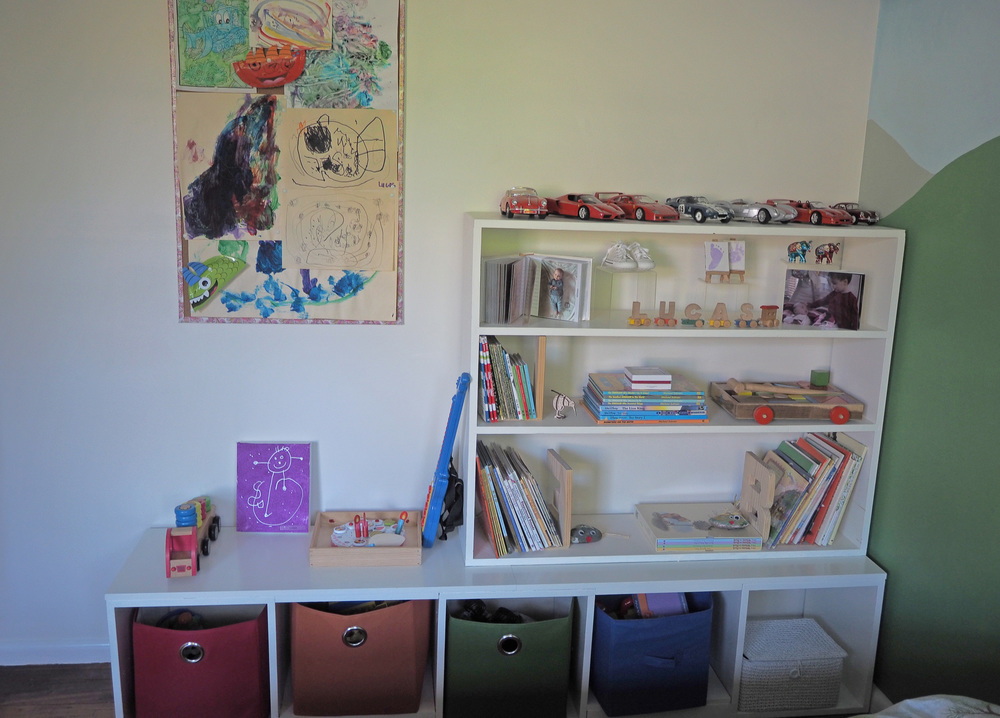 Organised toys and bookshelves in our son's bedroom makeover - The Organised You