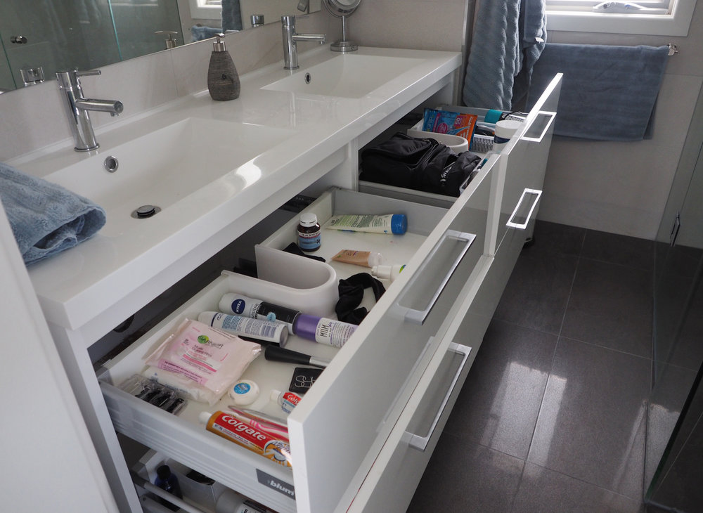 Organising the bathroom vanity - The Organised You