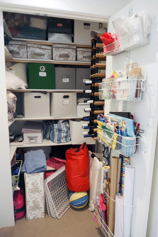 Declutter challenge - disorganised linen closet