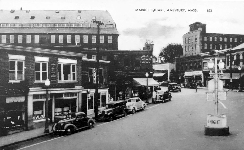 Ca. 1930s looking up Main Street from Market Square. The truncated Mill 8 is in the upper right. (Amesbury Public Library)