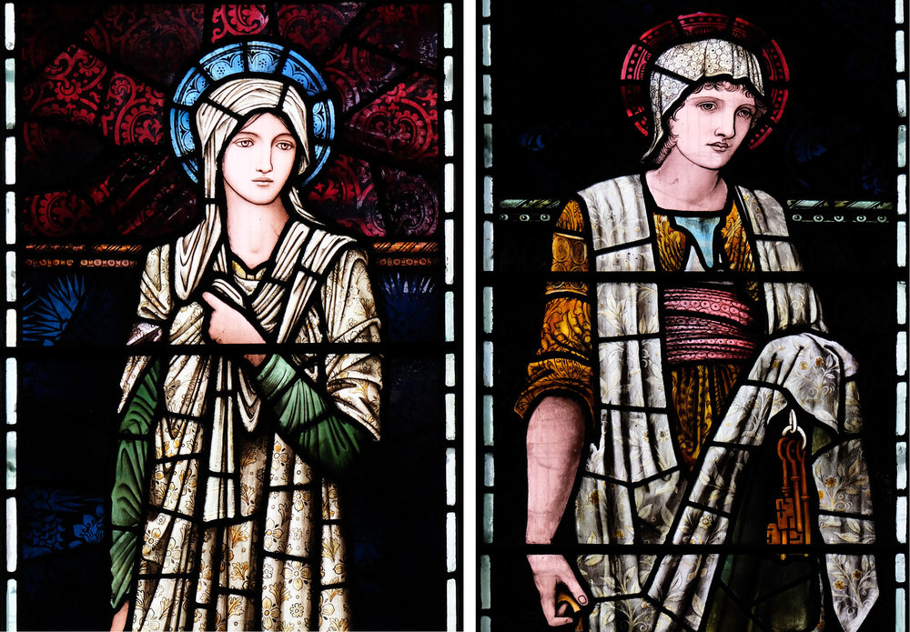 Left: The figure of Patientia. Right: The figure of Martha.