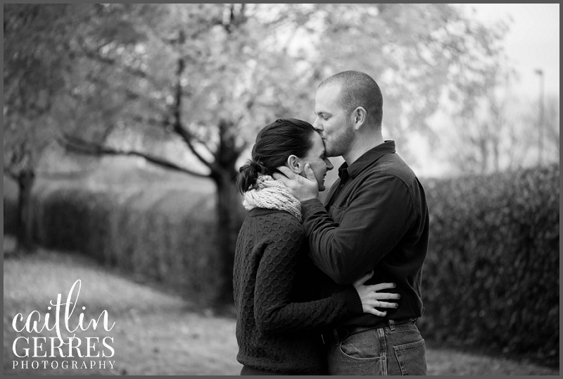 Chesapeake Park Fall Engagement Session Photo-15_DSK.jpg