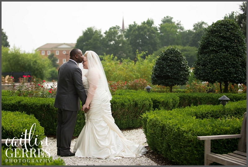 Founder's Inn Garden Wedding 209_DSK.jpg
