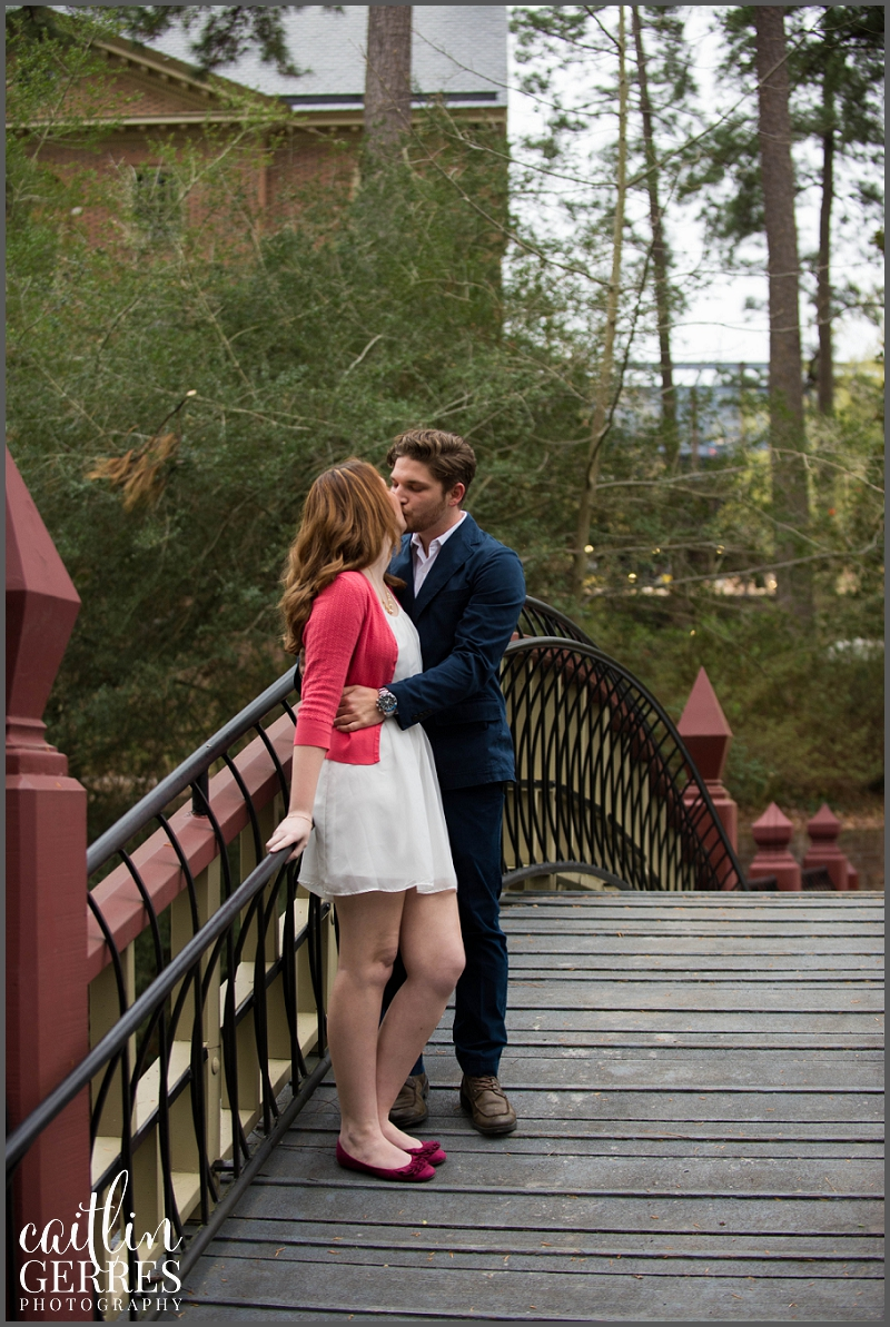 William and Mary Campus Engagement Session Photo-7_DSK.jpg