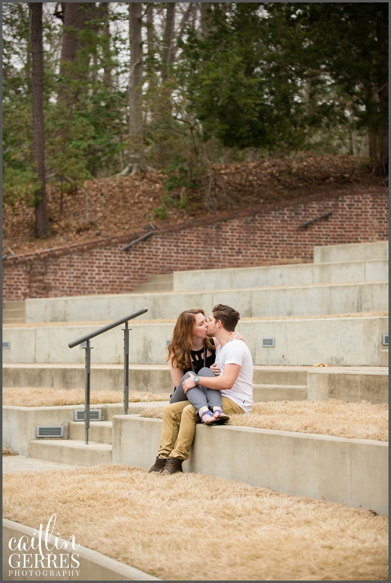 William and Mary Campus Engagement Session Photo-22_DSK.jpg