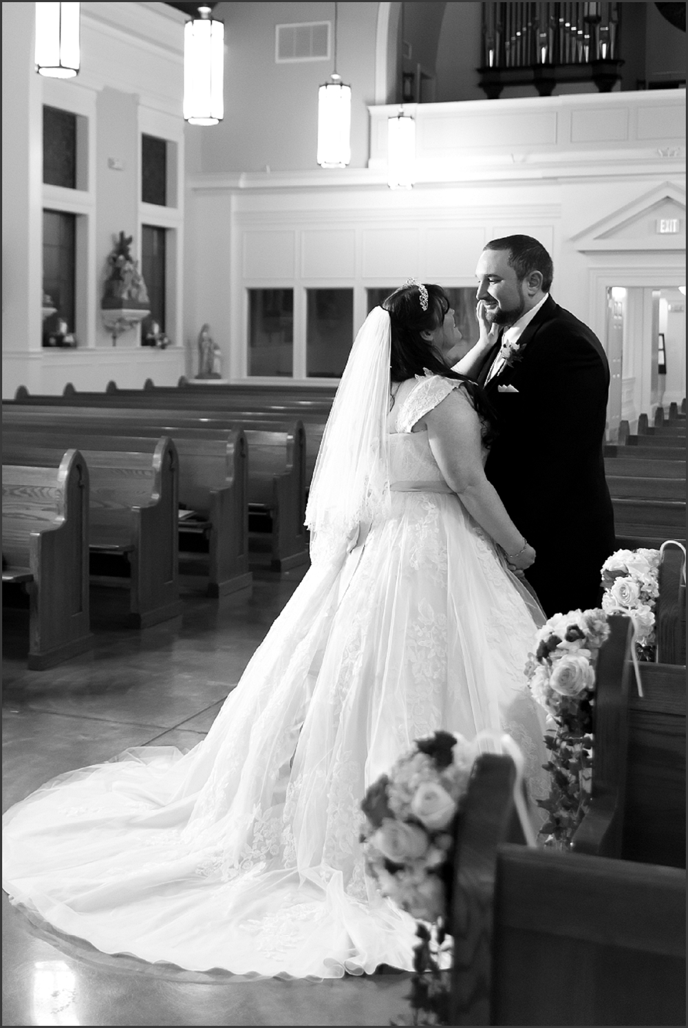 Greenbrier Country Club Wedding in Chesapeake-237_WEB.jpg