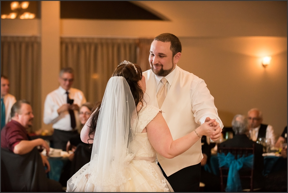 Greenbrier Country Club Wedding in Chesapeake-292_WEB.jpg