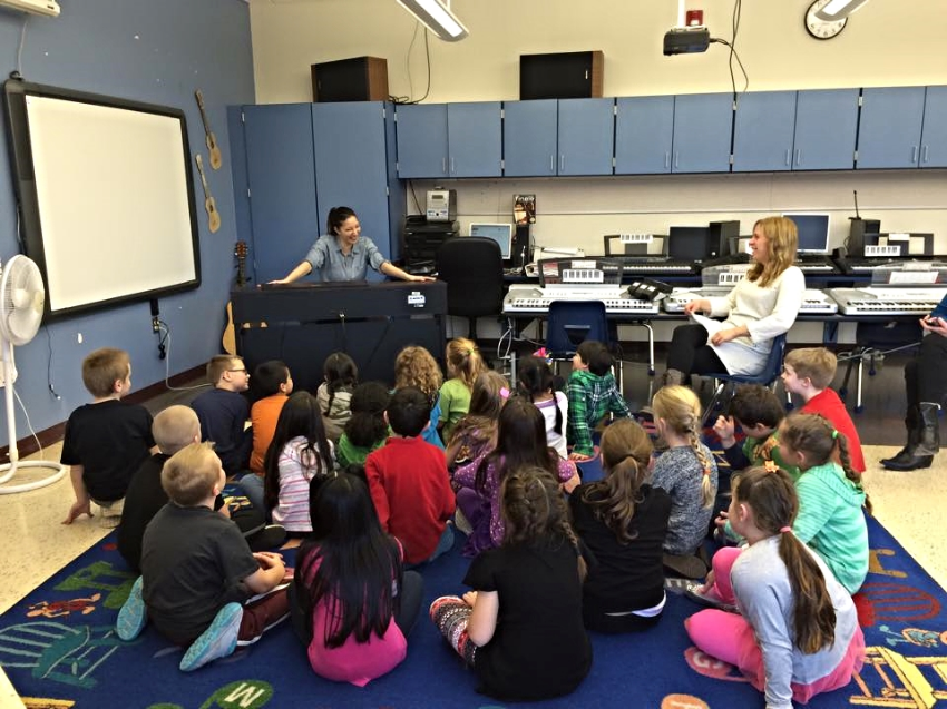 Artist-in-residence Tanya Gabrielian visits Hunter-Tannersville Central Elementary's general music class (November, 2014)