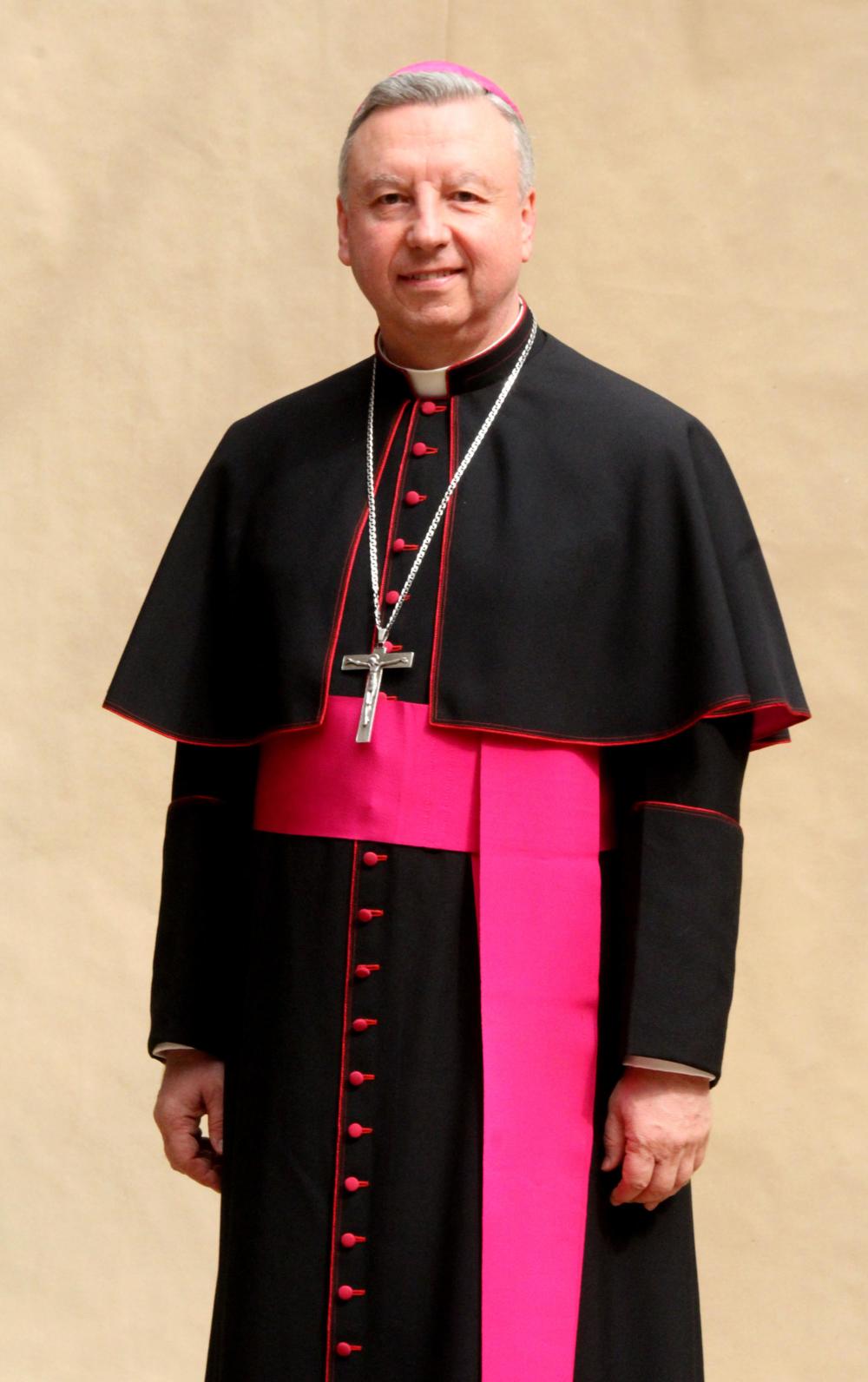 """""""Alpha es llevar a Jesús al que no lo conoce.""""    Monseñor Juan Vicente Córdoba   Obispo de la Diócesis de Fontibón"""