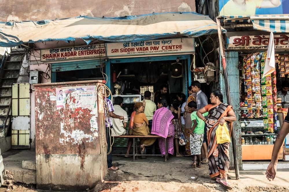India-Mumbai-PayCenterCrowd.jpg