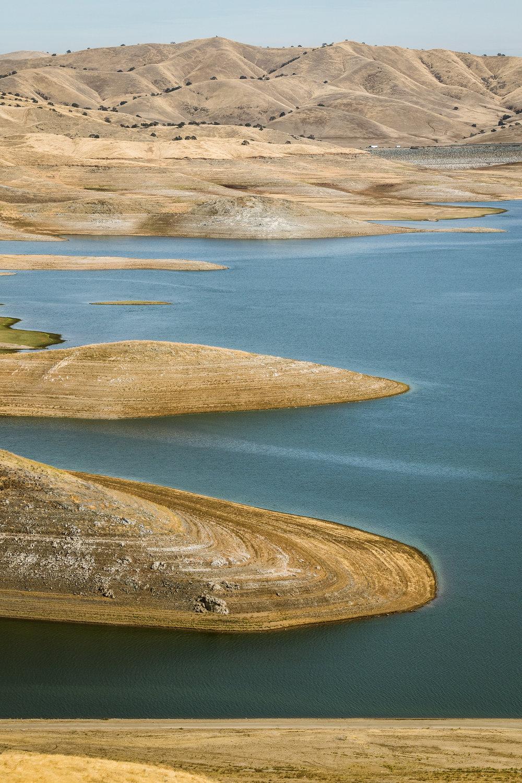 CA-SanLuisResevoir-DroughtCrop1Portrait.jpg