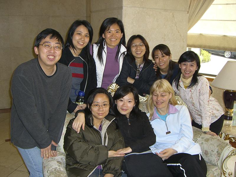 台北懷恩堂 許藍霙 作者為中間著白衣者