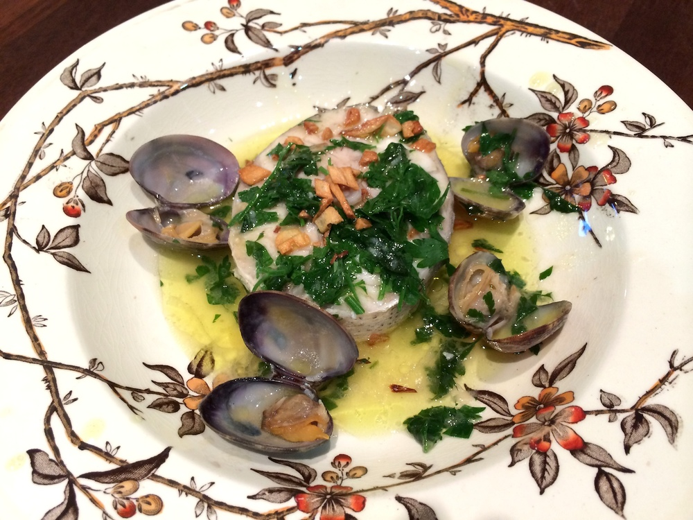 Hake in garlic sauce with clams