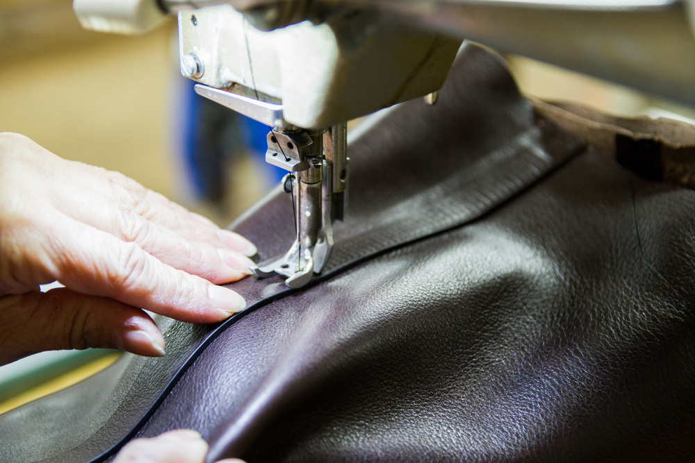 detailed-stitching-leather.jpg