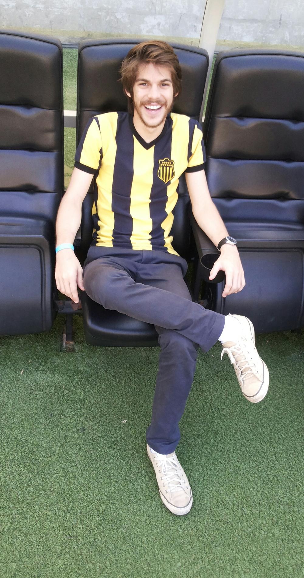 Nosso Coordenador de Desenvolvimento Breno Lacet aproveitou saber qual a sensação de ficar no banco no Maraca. :)