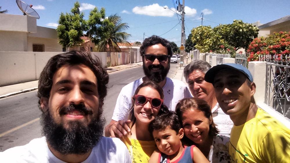 Time #lovefutbol com Paula, França e Raul, o netinho deles.
