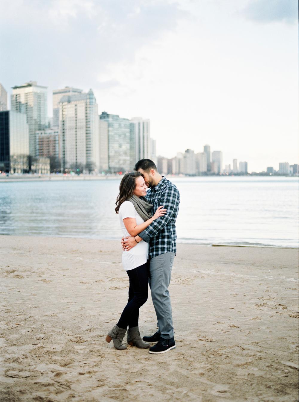 chicago il engagement session milton lee olive park milwaukee wedding photographers green bay madison elkhart lake wi ostoff wedding -02.jpg