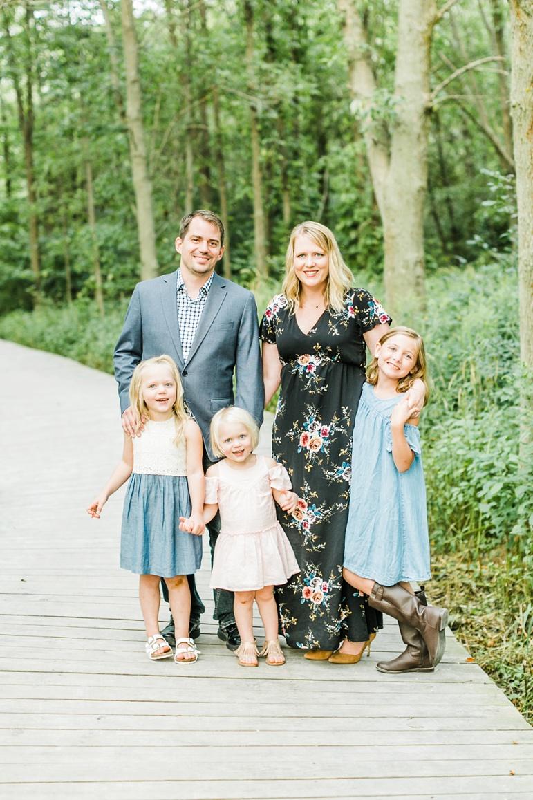 Lions Den Gorge, Milwaukee Family Photographers