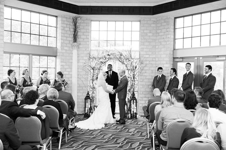 Thornberry Creek at Oneida Green Bay Wedding Photos
