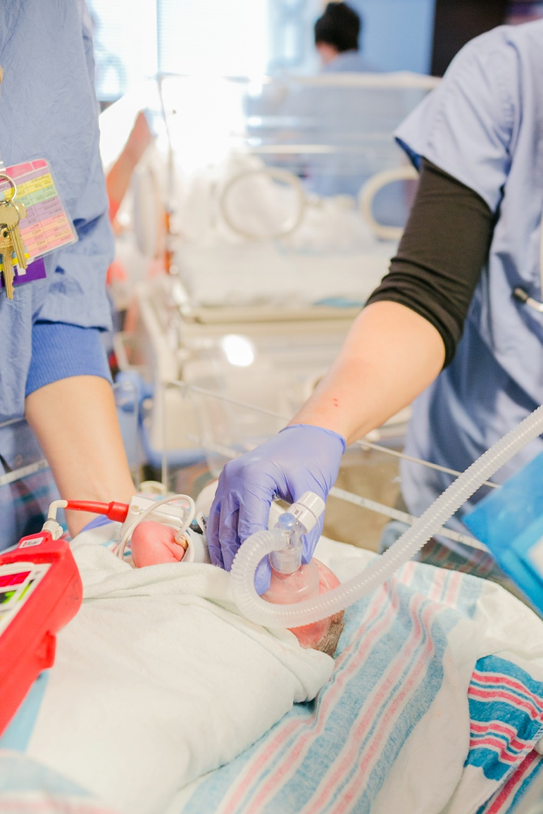 Green Bay WI Surrogate Birth of Twins | Baby B_5982.jpg