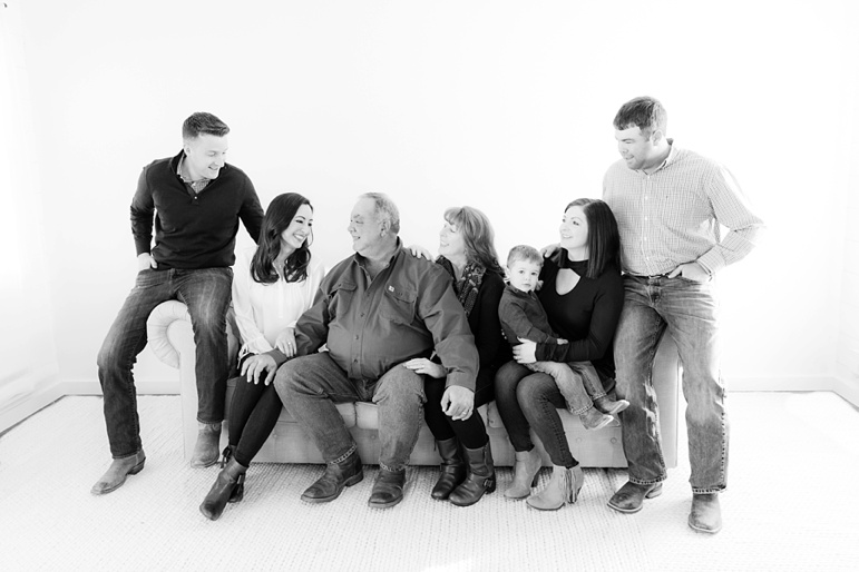 Extended Family Photos in Wisconsin