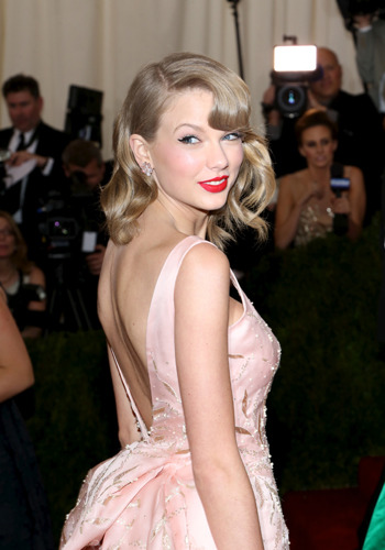 what-is-sexy-list-2014-sexiest-smile-taylor-swift-victorias-secret.jpg