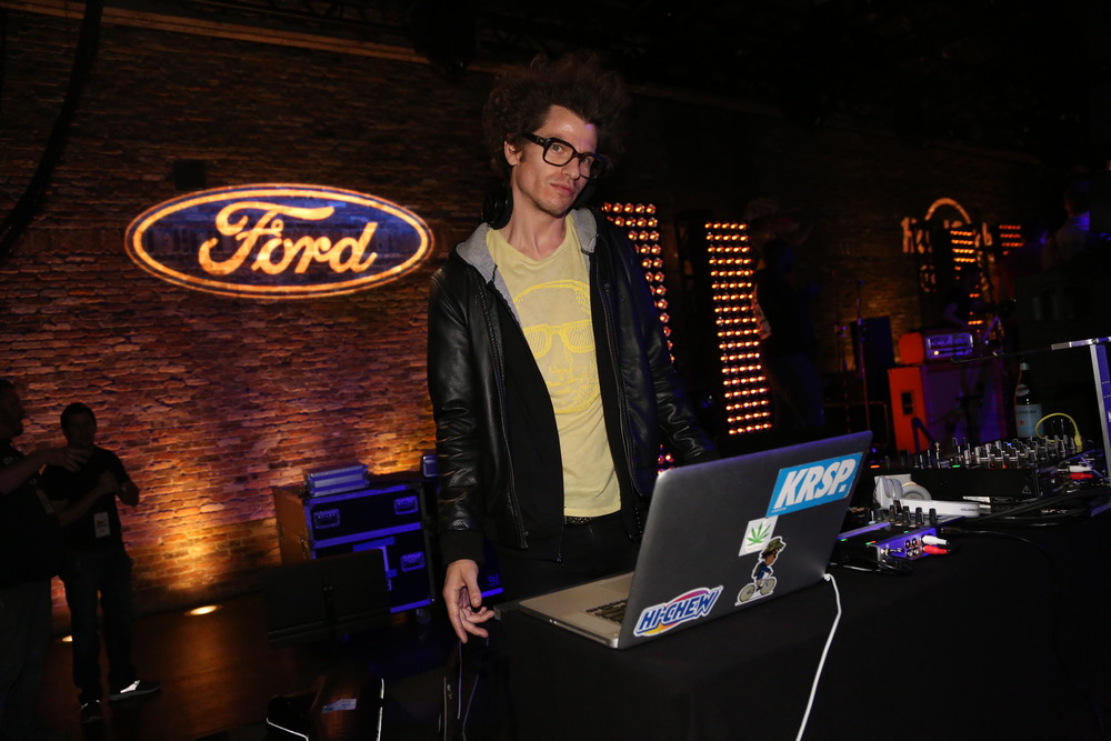 ASTR preform at the Ford and Hard Rock Hotels & Casinos event, 'The Mustang Roadhouse' in New York City.JPG
