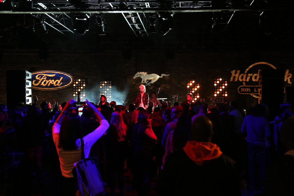 Betty Who preform at the Ford and Hard Rock Hotels & Casinos event, 'The Mustang Roadhouse' in New York City.JPG