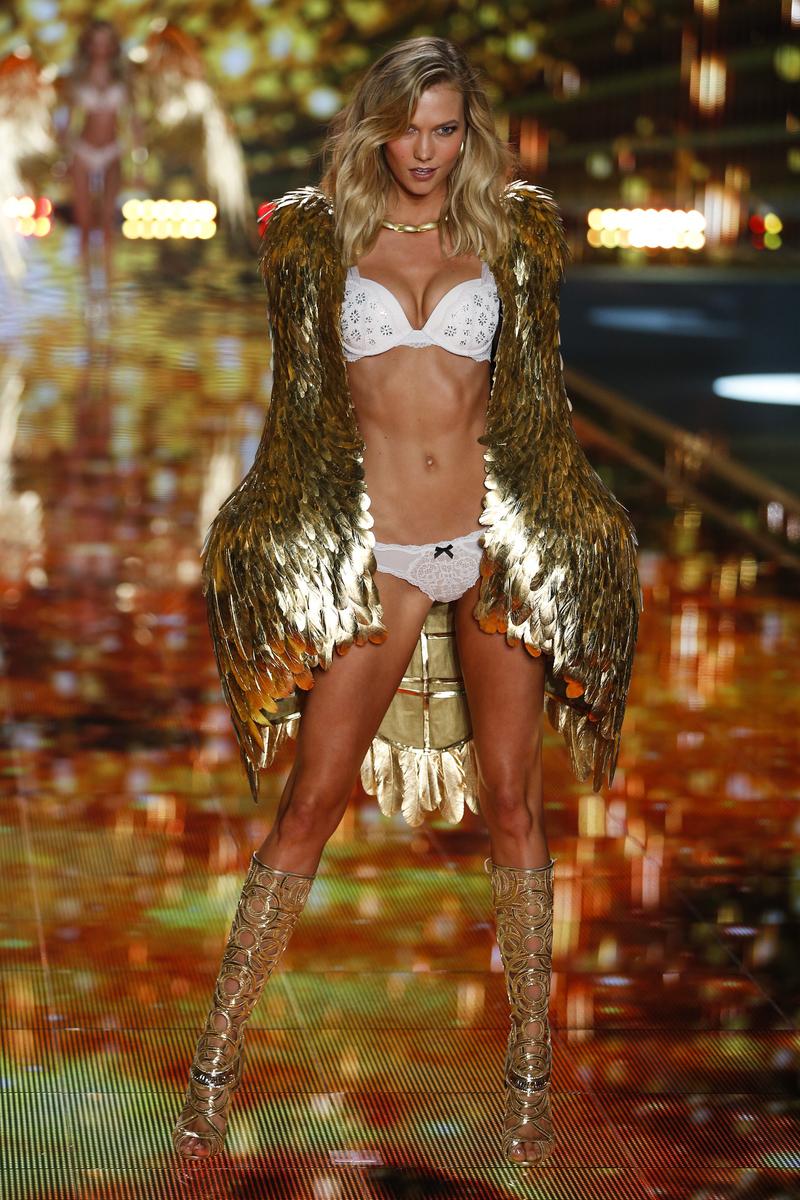 fashion-show-runway-2014-gilded-angels-karlie-victorias-secret-hi-res.jpg