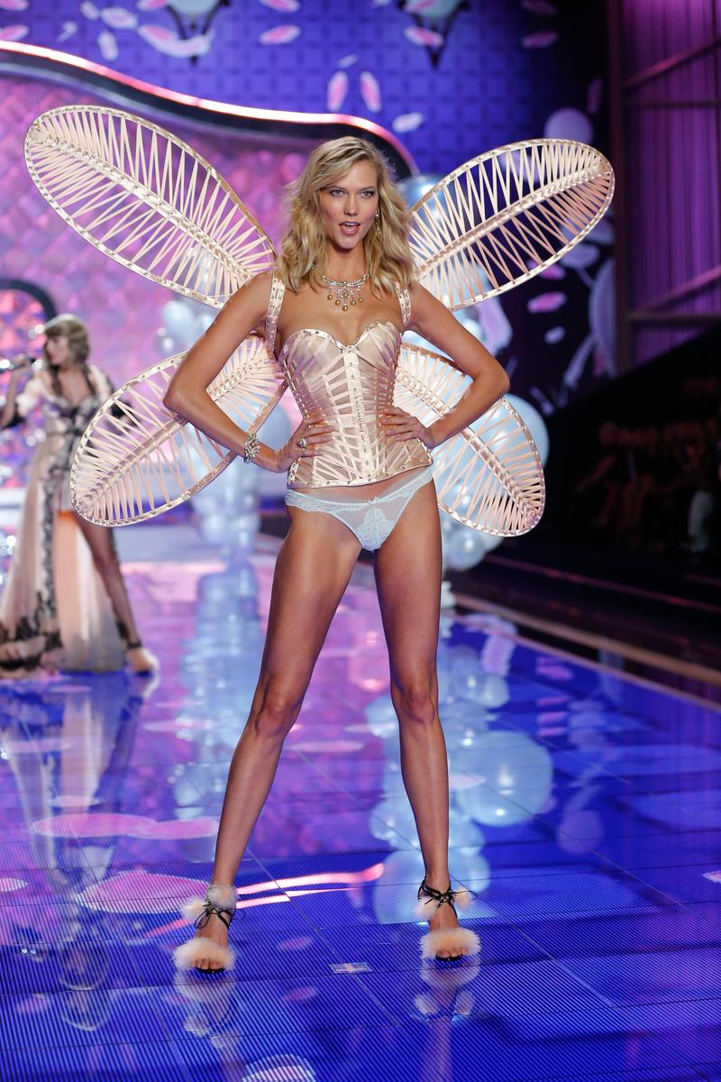 fashion-show-runway-2014-dream-girl-karlie-victorias-secret-hi-res.jpg