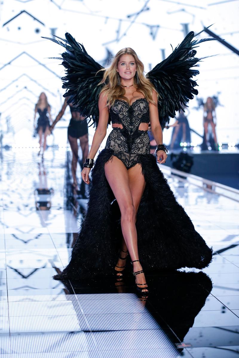 fashion-show-runway-2014-angel-ball-doutzen-victorias-secret-hi-res.jpg
