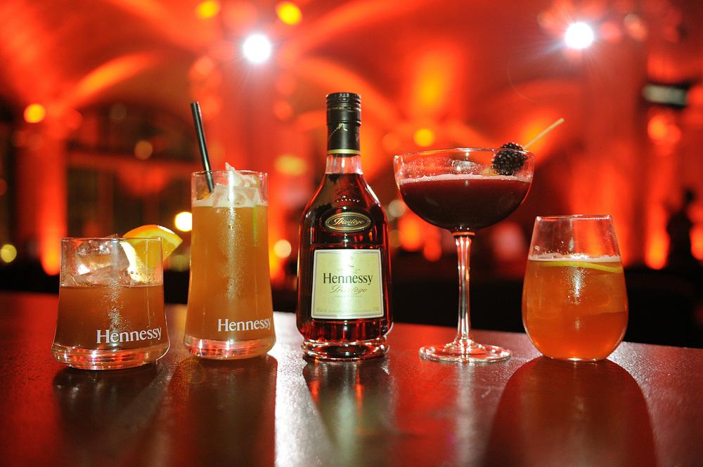 Hennessy Privilège mixed drinks served at The Hennessy Privilège Awards honoring entrepreneur, Daymond John.