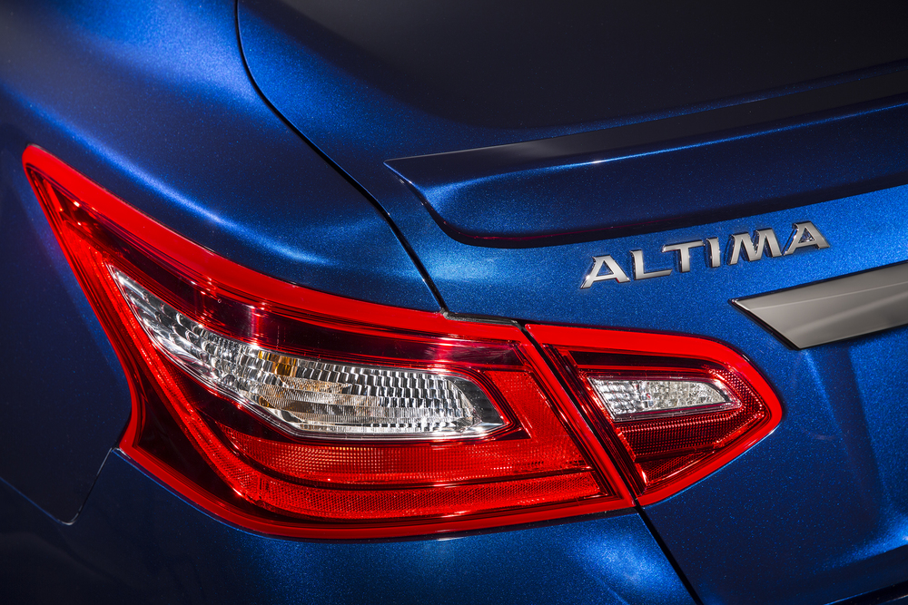 2016_Nissan_Altima_07 (1).jpg