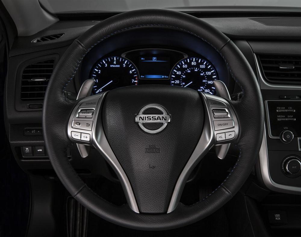 2016_Nissan_Altima_21.jpg
