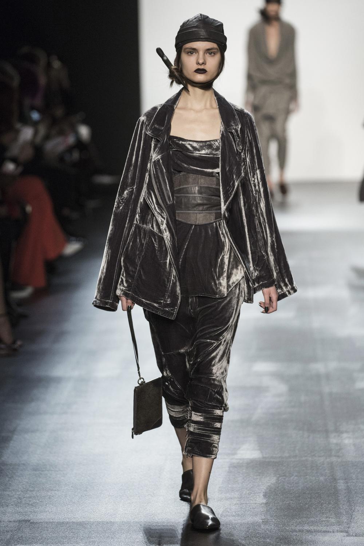 fsfwny22.15f-fashion-week-new-york-h-w-16-17---nicholas-k.jpg