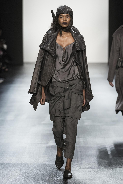 fsfwny22.14f-fashion-week-new-york-h-w-16-17---nicholas-k.jpg