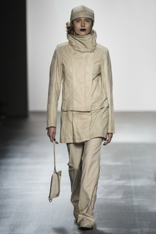 fsfwny22.06f-fashion-week-new-york-h-w-16-17---nicholas-k.jpg