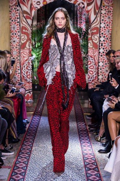 fsfwma11.48com-milan-fashion-week-s-s-2017-roberto-cavalli-lowres.jpg