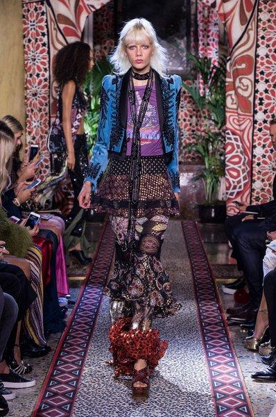 fsfwma11.49com-milan-fashion-week-s-s-2017-roberto-cavalli-lowres.jpg