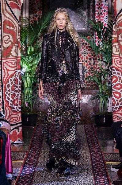 fsfwma11.57com-milan-fashion-week-s-s-2017-roberto-cavalli-2-lowres.jpg