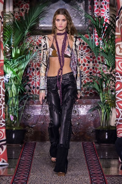fsfwma11.61com-milan-fashion-week-s-s-2017-roberto-cavalli-2-lowres.jpg
