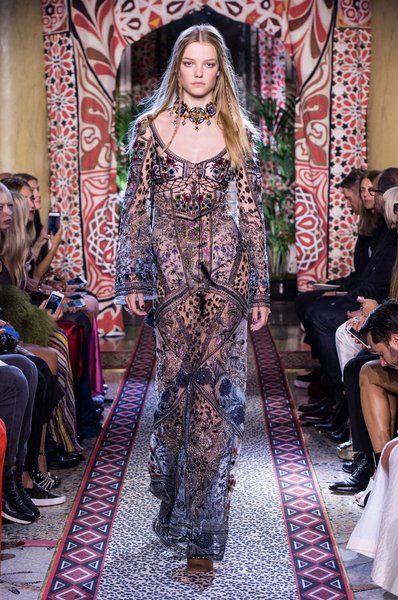 fsfwma11.62com-milan-fashion-week-s-s-2017-roberto-cavalli-2-lowres.jpg