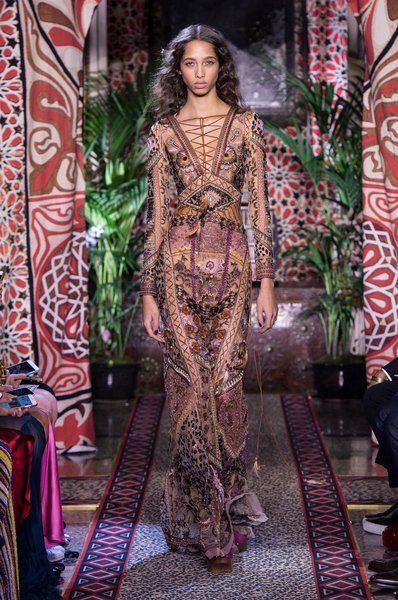 fsfwma11.64com-milan-fashion-week-s-s-2017-roberto-cavalli-2-lowres.jpg